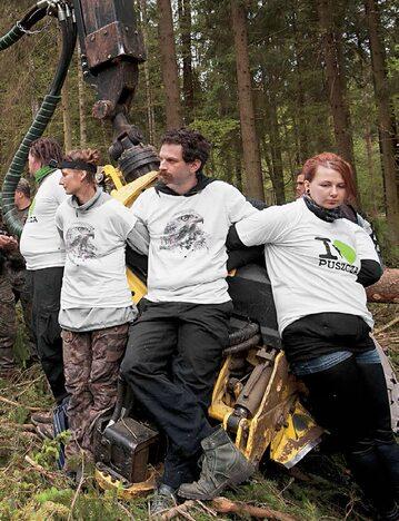 Ekolodzy w Puszczy Białowieskiej