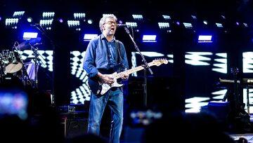 Eric Clapton podczas koncertu w Londynie