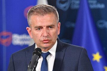 Europoseł Bartosz Arłukowicz podczas konferencji prasowej