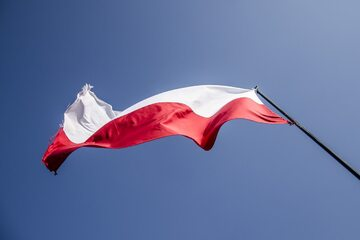 Flaga Polski, zdjęcie ilustracyjne