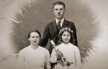Franciszka i Józef Sowowie (na zdjęciu z córką Ireną) za ukrywanie Żydów zostali zamordowani na oczach swych dzieci.