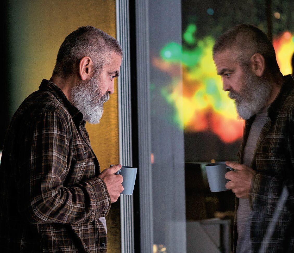 """George Clooney tak schudł do roli w """"Niebo o północy"""", że przypłacił to chorobą"""