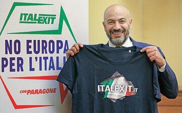 """Gianluigi Paragone, szef Italexitu, przekonuje, że uda mu się wyrwać Włochy z """"klatki Unii Europejskiej i wspólnej waluty"""""""