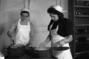 Gotujące kobiety, zdjęcie ilustracyjne