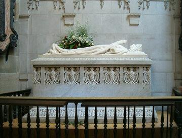 Grób Jadwigi Andegaweńskiej, Katedra na Wawelu