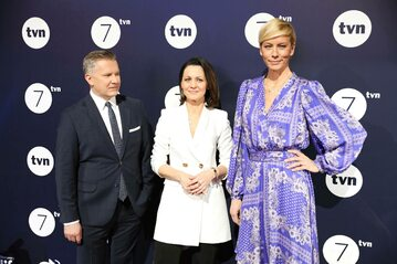 Grzegorz Kajdanowicz (L), Diana Rudnik (C) i Anita Werner (P) podczas prezentacji wiosennej oferty programowej TVN