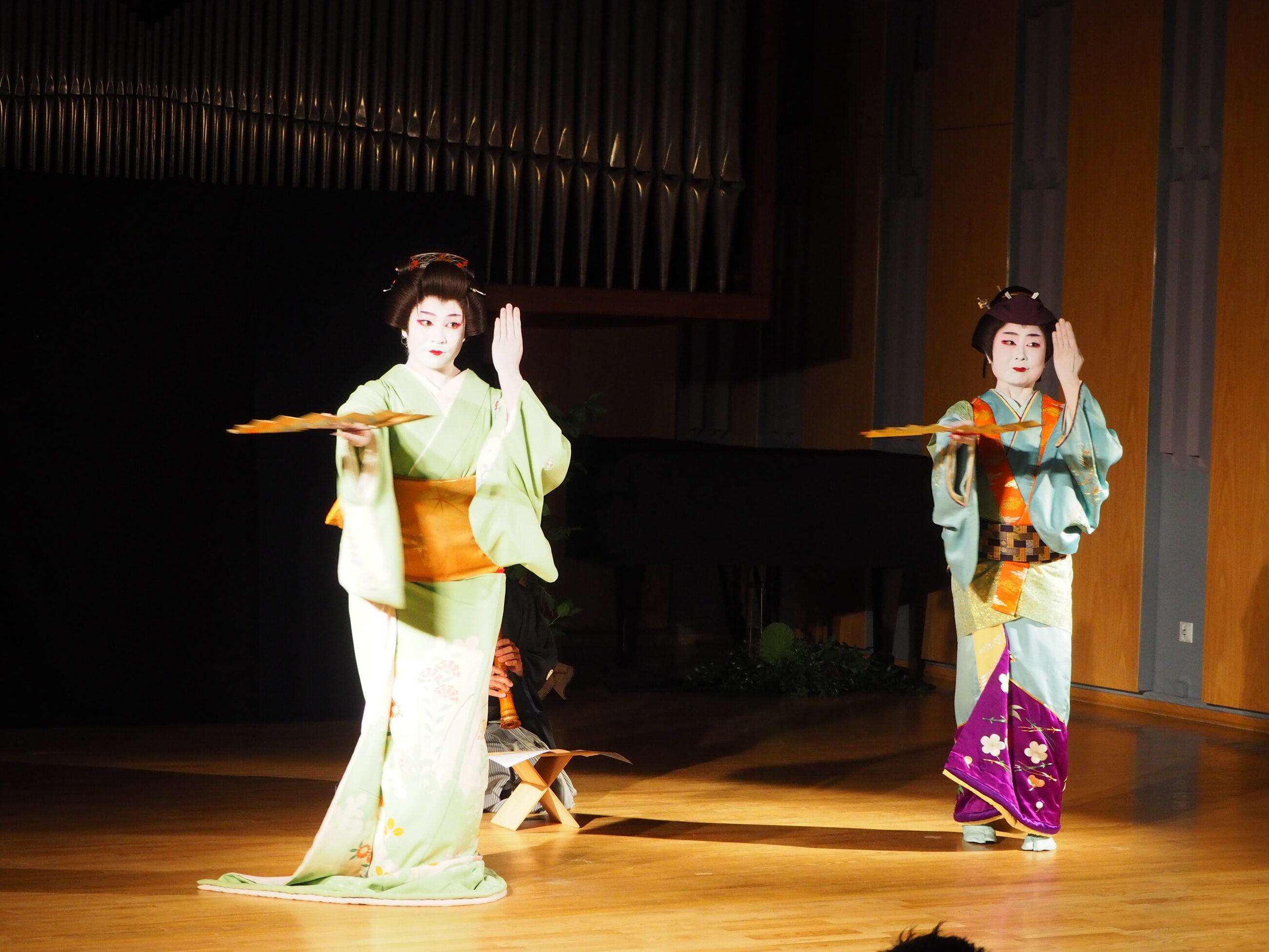 Hana Umeda i Hanasaki Tokijyo