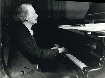 I.J. Paderewski