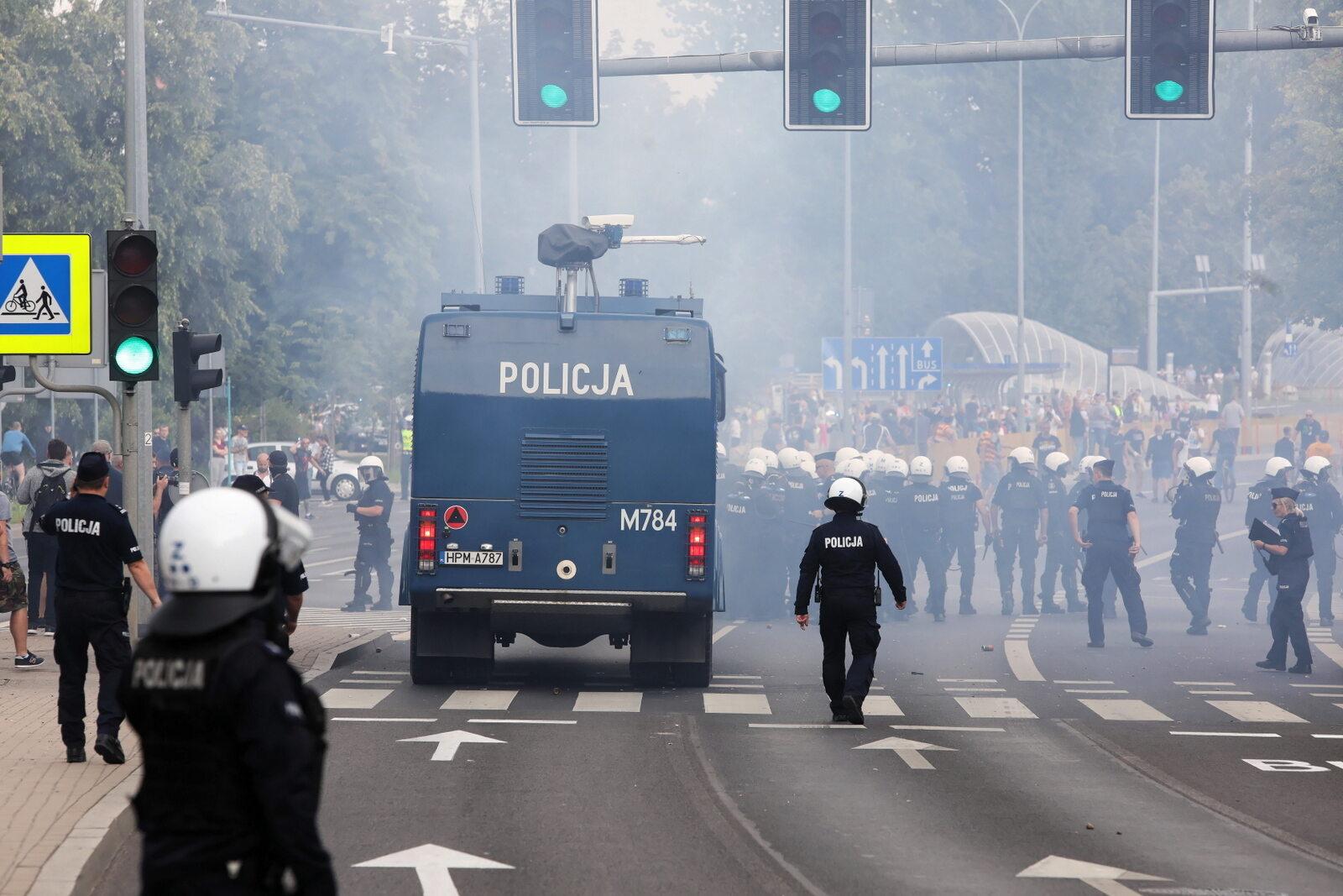 Interwencja policji podczas marszu LGBT w Białymstoku