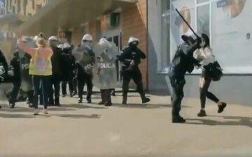 Interwencja policji podczas protestu przeciwko obostrzeniom w Głogowie