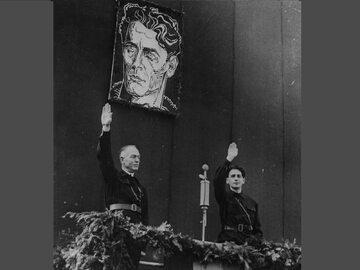 Ion Antonescu i Horia Sima pod portretem Corneliu Zelea Codreanu. Bukareszt, październik 1940 r.