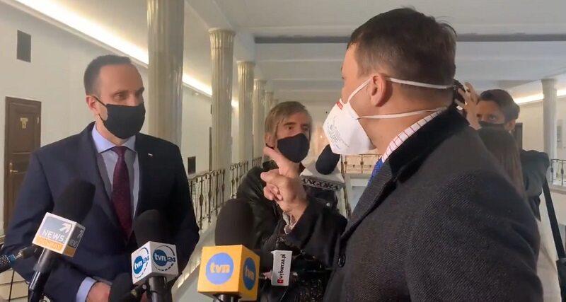 Janusz Kowalski i Radosław Sikorski w Sejmie
