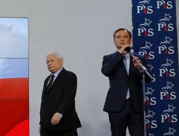 Jarosław Kaczyński i Zbigniew Ziobro podczas konferencji prasowej