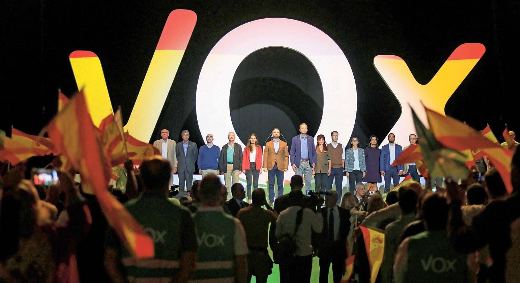 Jeszcze w 2015 r. VOX ledwie zebrał w wyborach 20 tys. głosów (0,46 proc.). W grudniu 2018 r. w wyborach do parlamentu Andaluzji osiągnął pułap 11 proc. i 400 tys. głosów