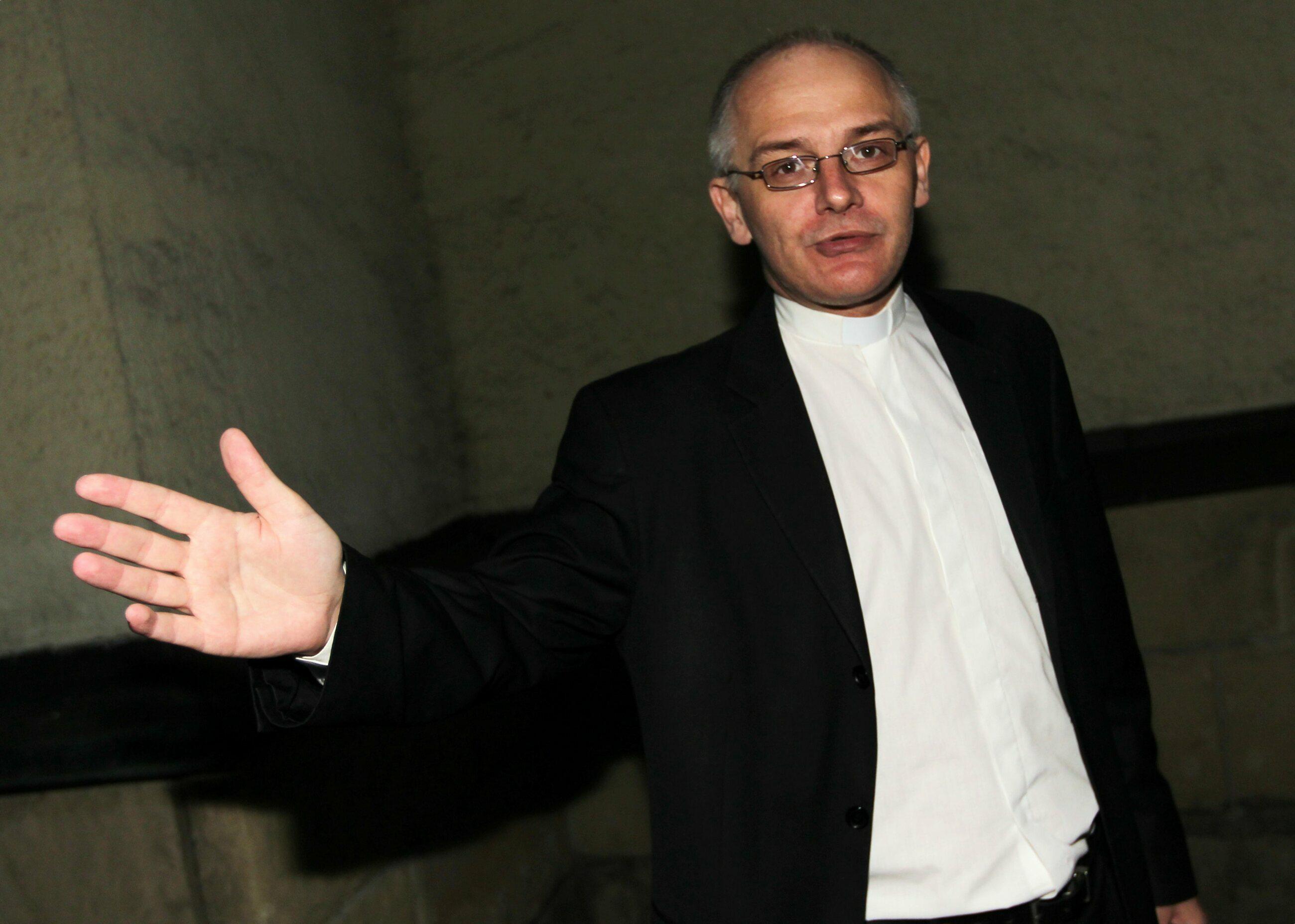 Jezuita o. Krzysztof Mądel
