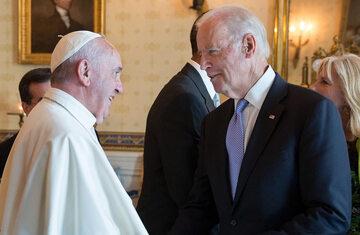 Joe Biden i papież Franciszek w roku 2015