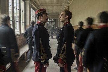 """Kadr z filmu """"Oficer i szpieg""""."""