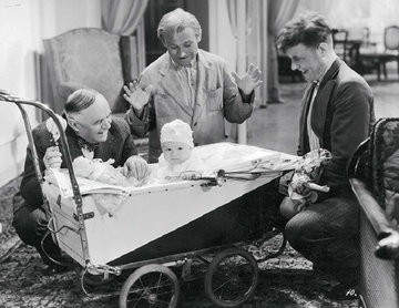 """Kadr z filmu """"Włóczęgi"""", pamiętnej komedii Michała Waszyńskiego z 1939 r."""
