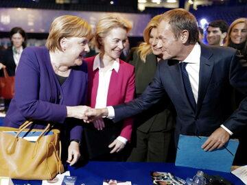 Kanclerz Niemiec Angela Merkel, przyszła szefowa Rady Europejskiej Ursula van der Leyen i były premier, szef Rady Europejskiej Donald Tusk.
