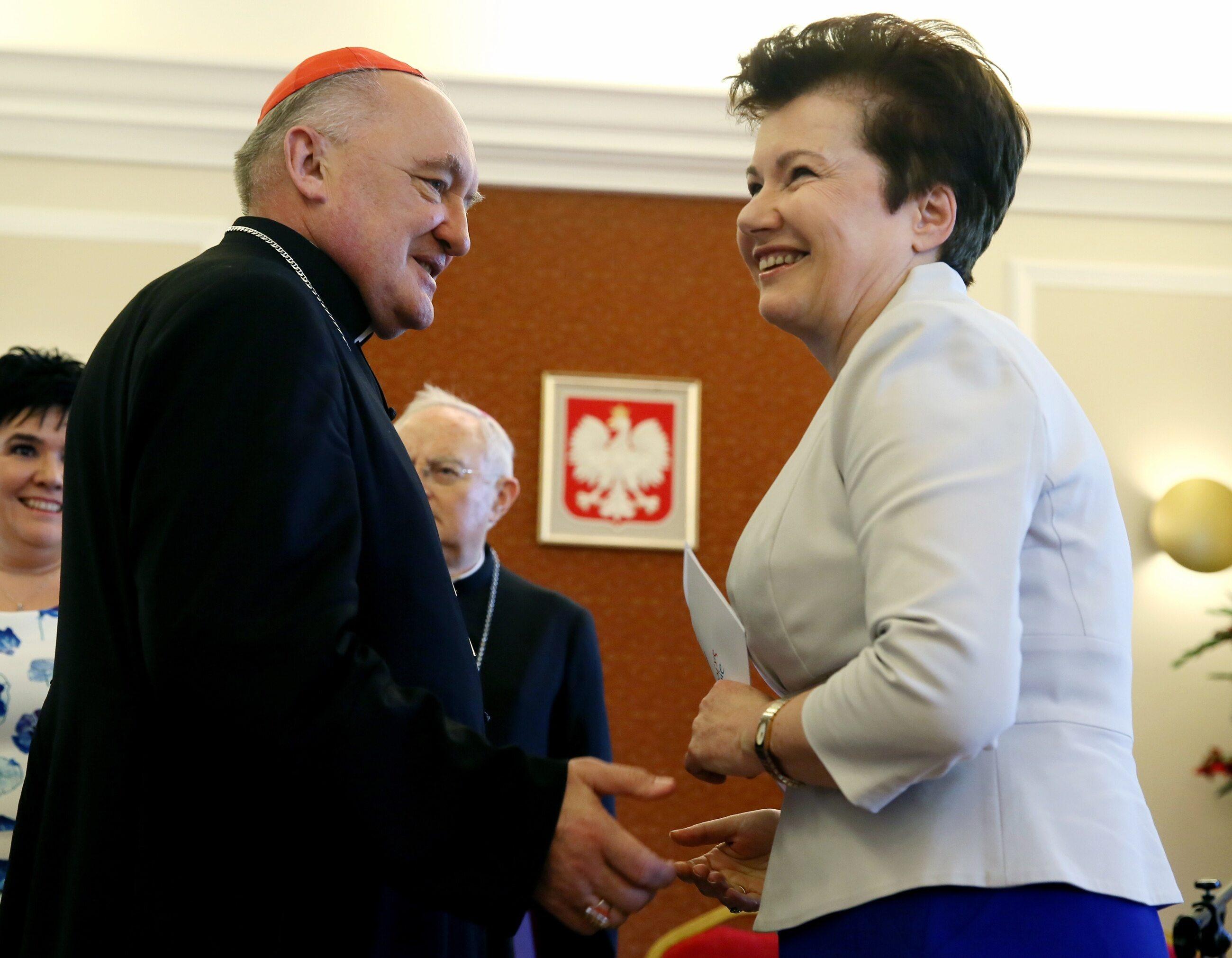 Kard. Kazimierz Nycz, Hanna Gronkiewicz-Waltz
