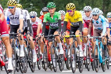 Kolaże na trasie Tour de France w 2018 roku
