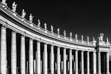 Kolumnada wokół Bazyliki św. Piotra