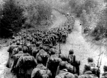 Kolumny piechoty sowieckiej wkraczające do Polski, 17 września 1939 rok