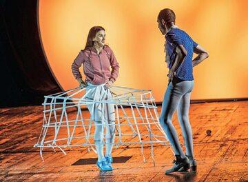 """""""Koniec z Eddym"""" według Édouarda Louisa, adaptacja i reżyseria: Anna Smolar, Studio teatrgaleria, premiera: 24 października 2020 r."""