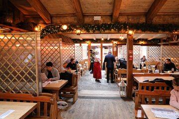 Koronawirus w Polsce. Otwarta restauracja na Krupówkach w Zakopanem