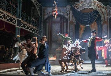 """""""Króla rozrywki"""" ogląda się świetnie, ciągnie go w górę brawurowa kreacja Hugh Jackmana"""