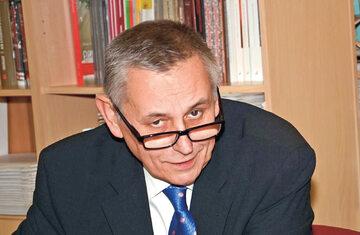 Krzysztof Turkowski, historyk, działacz opozycji demokratycznej i uczestnikiem strajku w zajezdni przy ul. Grabiszyńskiej