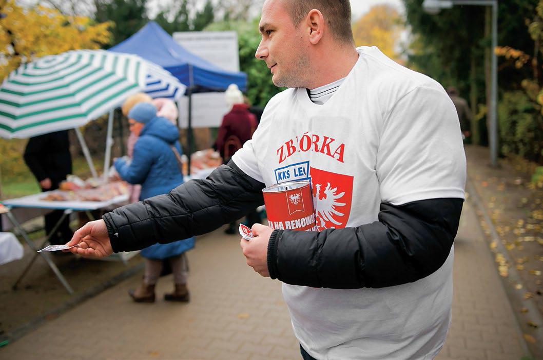 Kwesta kibiców Lecha Poznań na odnowę grobów powstańców wielkopolskich
