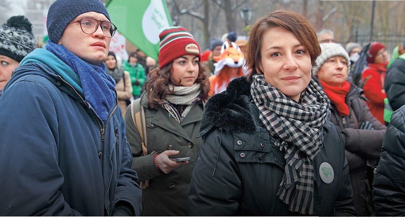 Maja Ostaszewska w marszu przeciw zmianom w ustawie o ochronie środowiska, styczeń 2017 r.