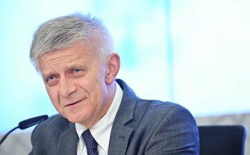 Marek Belka. b. premier