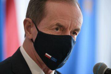 Marszałek Senatu Tomasz Grodzki podczas konferencji prasowej