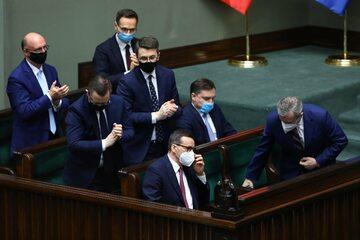 Mateusz Morawiecki, Piotr Gliński, Piotr Mueller, Zbigniew Ziobro podczas posiedzenia Sejmu
