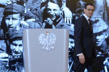 Mateusz Morawiecki podczas konferencji prasowej dotyczącej ustawy degradacyjnej