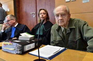 Mec. Jerzy Pasieka, mec. Monika Brzozowska oraz kombatant, żołnierz AK Zbigniew Radłowski