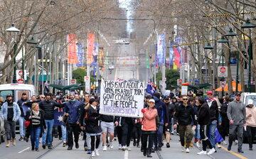 Melbourne: Protest przeciw restrykcjom covidowym