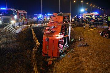 Miejsce wypadku autobusu na autostradzie A4.