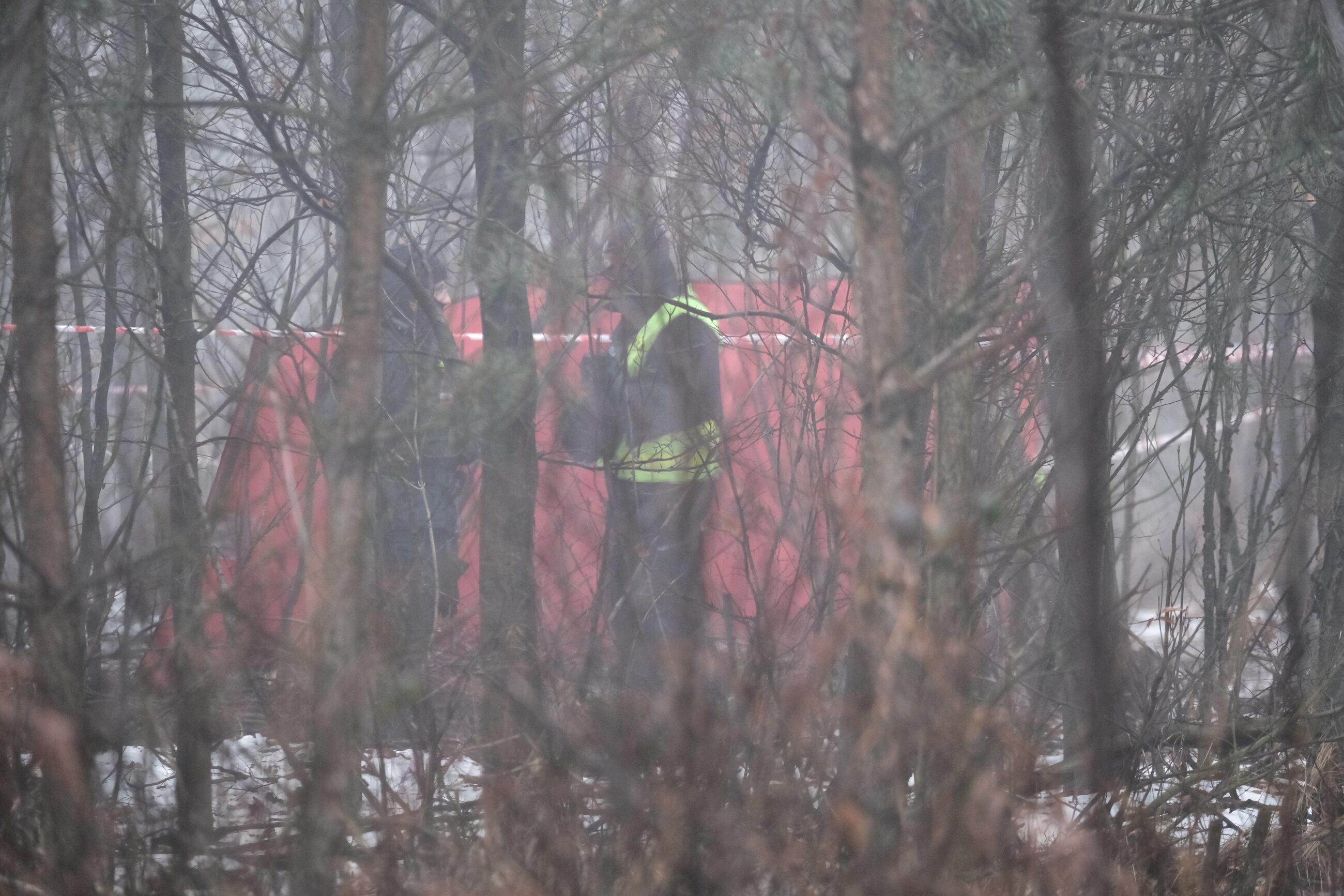Miejsce wypadku prywatnego śmigłowca w pobliżu rzeki Dokawy w okolicach Pszczyny.