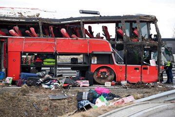 Miejsce wypadku ukraińskiego autokaru, do którego doszło w nocy z 5 na 6 bm. na autostradzie A4 w pobliżu MOP Kaszyce k. Jarosławia (Podkarpackie)