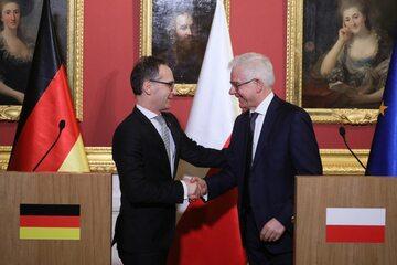 Minister spraw zagranicznych RP Jacek Czaputowicz i minister spraw zagranicznych Niemiec Heiko Maas podczas wspólnej konferencji