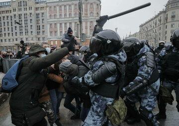 Moskwa. Starcia z policją podczas protestu w obronie aresztowanego Aleksieja Nawalnego