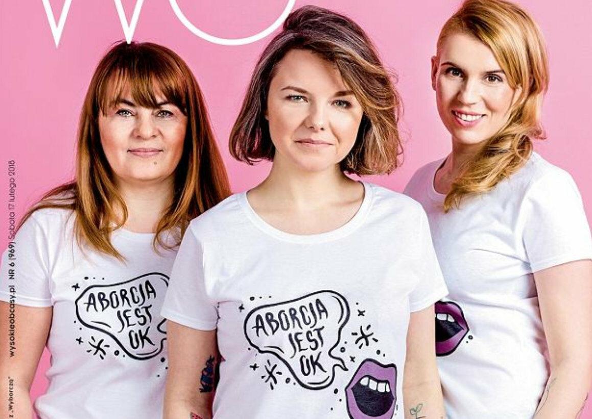 """Natalia Broniarczyk (w środku) i Aborcyjny Dream Team na okładce """"Wysokich obcasów"""""""