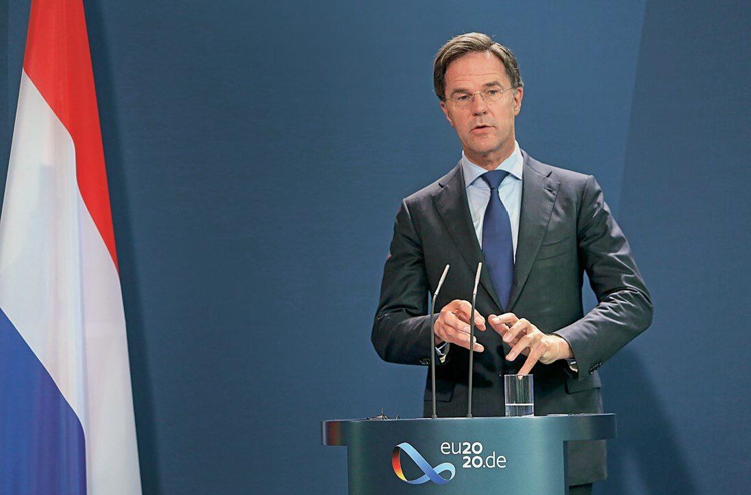 """Niderlandzki premier Mark Rutte we wrześniu pytał: """"Czy możemy założyć UE bez Węgier i Polski?"""""""