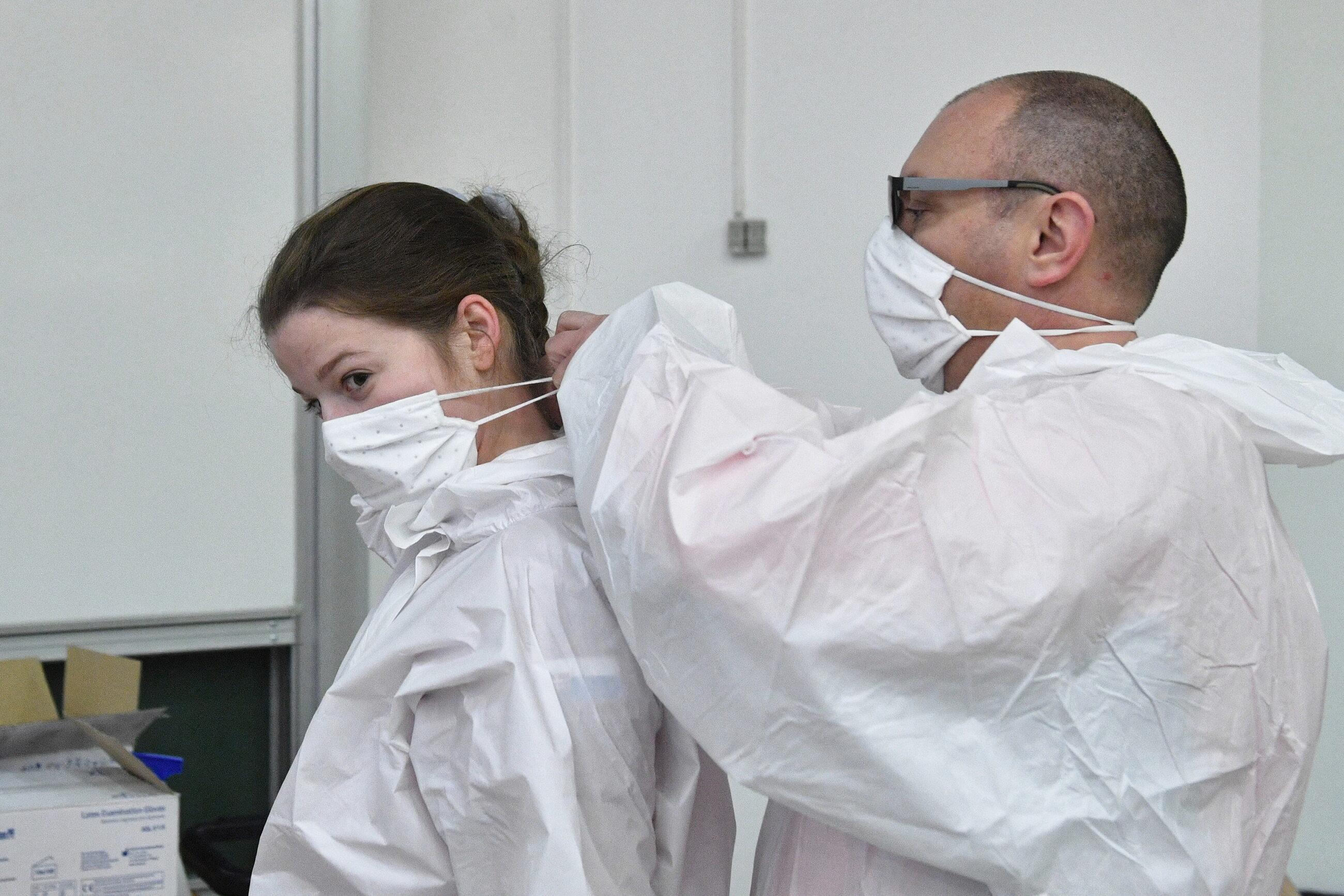 Niemal 70 polskich medyków przyleciało do Bratysławy, aby wspierać tamtejszą służbę zdrowia.