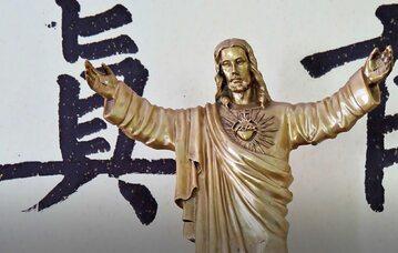 Niszczenie Kościoła podziemnego w Chinach
