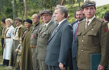 Nz. m.in. naczelnik ZHP harcmistrz Ryszard Pacławski, prezydent Lech Wałęsa, przewodniczący ZHP hm. Stefan Mirowski, hm. Anna Zawadzka