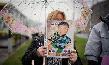 Od czwartku pod szpitalem dziecięcym Alder Hey trwa protest.